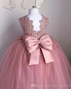 Blush Pink Toddler Pageant Dresses Sleeveless Pleats Tulle Ball Gown Lace Graduation Gowns Children Floor Length Open Back Flower Girl Dress Girls Bridesmaid Dresses, Girls Formal Dresses, Little Girl Dresses, Kids Formal Wear, Ball Dresses, Ball Gowns, Dresses Uk, Toddler Pageant Dresses, Pageant Gowns