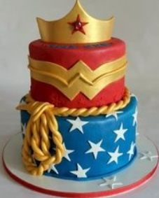 Cool Wonder Women Cake!!!