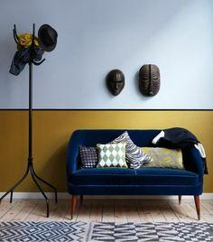 le bon duo, couleur jaune moutarde et le bleu canard, un intérieur exotique
