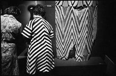 Richard Kalvar - New York City. Metropolitan Museum of Art. Camera Lucida, Roland Barthes, Work In New York, Become A Photographer, Moving To Paris, Magnum Photos, Street Photo, French Fashion, New York City