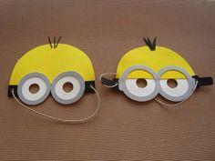 Bildergebnis für minion patron gafas y pantalones Minions Birthday Theme, Minion Theme, Minion Party, Diy For Kids, Crafts For Kids, Minion Craft, Minion Costumes, Diy And Crafts, Paper Crafts