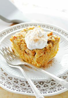 Pumpkin Pie Dump Cake has a cake layer on the bottom, a pumpkin pie filling in the middle and is stopped with a pecan streussel. Cooking Pumpkin, Pumpkin Pie Recipes, Pumpkin Bread, Pumpkin Dessert, Pie Dessert, Dessert Recipes, Desserts, Pumpkin Casserole, Bake My Cake