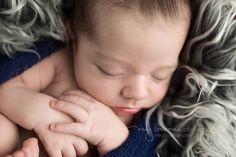Newborn photographer in Wooster, Cleveland, Akron, canton, Columbus Ohio.   #newbornposing #woosterohionewbornphotographer   #clevelandohionewbornphotographer #newbornposing