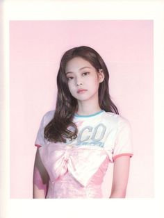 See scan photos from BLACKPINK Photobook Limited Edition and watch unboxing videos to see every details inside the photobook Blackpink Jennie, Snsd, K Pop, South Korean Girls, Korean Girl Groups, Mileena, Black Pink, Blackpink Photos, Cute Icons