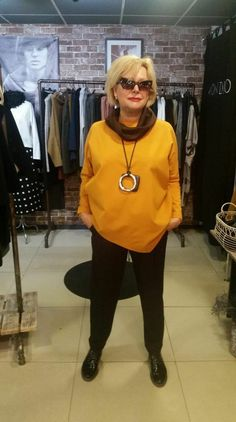 Womens fashion over 40 dresses clothes 51 ideas Clothes For Women Over 40, Fashion For Women Over 40, 50 Fashion, Fashion 2020, Fashion Outfits, Fashion Trends, Ladies Fashion, Fashion Clothes, 50 Style