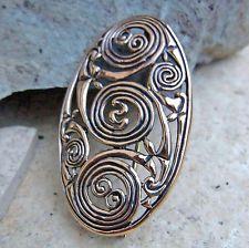 ovale Gewandspange Bronze für Kelten Peplos Gewand Fibel Ovalfibel Triskele