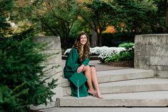 Ideas and locations for a Michigan State University fall senior photo session on north campus by Allie Siarto Photography, East Lansing Photographers. A photo of an MSU senior sitting on steps by a stone wall by Beaumont Tower with fall colors behind her. College Senior Pictures, College Graduation Pictures, Graduation Picture Poses, Graduation Photoshoot, Senior Photos Girls, Grad Pics, Grad Pictures, Senior Pics, Family Pictures