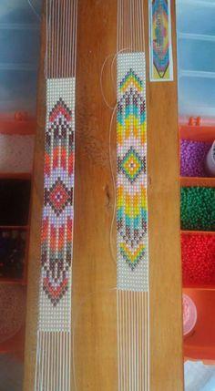(notitle) – Ana Oviedo – Willkommen bei Pin World Loom Bracelet Patterns, Bead Loom Bracelets, Beaded Jewelry Patterns, Bead Loom Patterns, Beading Patterns, Bead Loom Designs, Beadwork Designs, Seed Bead Crafts, Seed Bead Jewelry