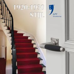 Impression of the GPF Ika handle (GPF4030) combined with a GPF1100.09 rose. This combination and many other door & window products are available at our website (www.tenhulscher.nl)