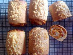 Sun-dried tomato & basil bread – Baking Fanatic