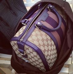 I so luv this shape bag