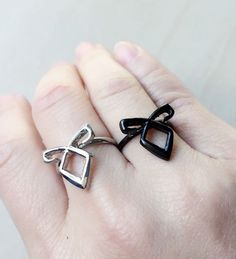 Angelic Power Rune Power Ring Shadowhunters The Mortal Instrument Los quierooo ❤❤ Angelic Power Rune, Fandom Jewelry, Shadowhunters The Mortal Instruments, City Of Bones, The Infernal Devices, Cassandra Clare, Cute Jewelry, Runes, Jewelery