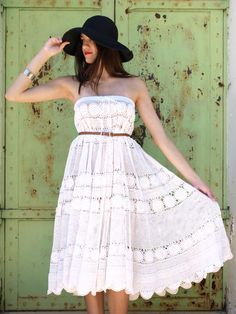 Free pattern: 20 minute crochet lace gypsy skirt this is made out of a lace table cloth