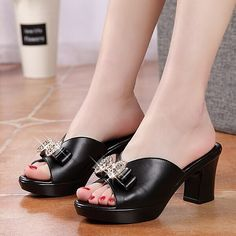 27.00$  Watch here - http://ali4x0.shopchina.info/go.php?t=32803334109 - woman slippers 2017 new summer thick high heel genuine leather slippers rough diamond bow tie comfortbale soft female slippers  #aliexpressideas