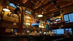 O restaurante de Disney Springs onde dá pra comer muito bem e ainda passear de carro anfíbio