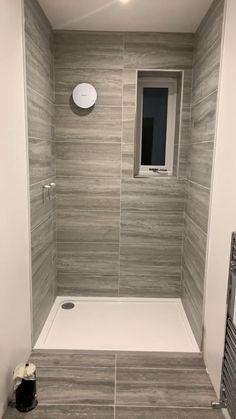 Wet Room Bathroom, Small Shower Room, Bathroom Layout, Bathroom Ideas, Walk In Bathroom Showers, Tiled Showers, Chic Bathrooms, Walk In Shower, Bathroom Styling