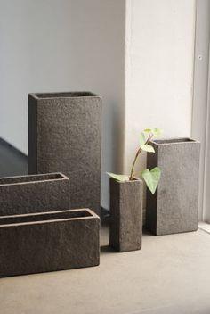 "Fujita Chieko ""Vase"" is the details page. Ceramic Boxes, Ceramic Vase, Ceramic Pottery, Cement Pots, Ceramics Projects, Japanese Ceramics, Pottery Designs, Diy Clay, Ikebana"