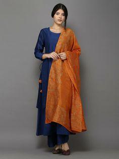Description: This 4 piece set includes kurta, lining, palazzo and dupatta. The dupatta is in chanderi with block printing. Dupatta's length : and width : 4 Punjabi Dress, Saree Dress, Pakistani Dresses, Indian Dresses, Indian Outfits, Ethnic Outfits, Punjabi Suits, Punjabi Fashion, Ethnic Fashion