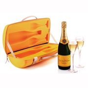 for my bride & i / veuve cliquot traveller Veuve Cliquot, Polo Classic, Food Gifts, Thank You Gifts, Hostess Gifts, Champagne, Cool Kitchens, Presents, Cocktails