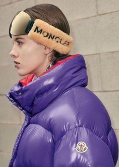 Moncler Women's F/W catwalk collection Ski Fashion, Sport Fashion, New York Fashion, Winter Fashion, Fashion Trends, Fashion Tips, Moncler Jacket Women, Nylons, School Uniform Fashion