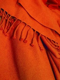 Pashmina shawls as #bedroom colour accents? Why not.