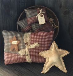 """Primitive American Flags and Grubby Star Bowl Fillers / Ornies """"1776"""""""