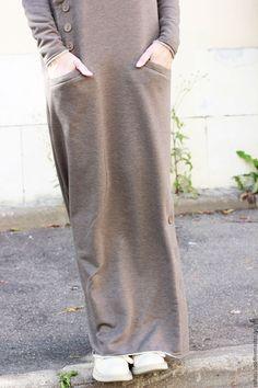 R00092  Теплое платье в пол песочного цвета. Красивое и элегантное платье из мягкого трикотажа. Платье макси  с длинными рукавами на каждый день. Стильное платье. Трикотажное платье.Длинное платье