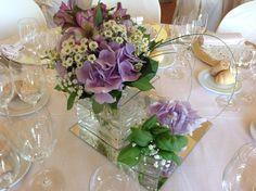 Centrotavolo con camomilla, ortensie, madiba e basilico . www.weddinglafioreria.com
