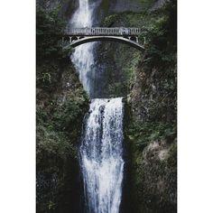Multnomah Falls    #oregon #pacificnw #pnw #vsco #vscocam #nikon #d7100 #waterfall #adoramau