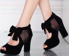 Indossare scarpe con tacco grosso (chunky heels) è di moda!