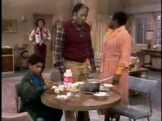 You gotta hand it to the Evans family.no matter what dire circumstance they may be in, they always figure out a way to deal with it. Good Times Tv Show, Classic Tv, Movies Showing, Tv Shows, Divas, Theatre, Egg, Videos, Youtube