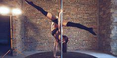 El pole dance es un deporte que nos hace sentir libres, sensuales y nos forma un cuerpo realmente envidiable gracias a que absolutamente todos los músculos de nuestro cuerpo se trabajan. Lo que le da su toque especial a esta actividad y por lo que me gusta tanto, es porque aquí podemos crear rutinas artísticas …