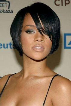 Rihanna bob frisuren 2013