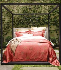 Avery By Sferra   Luxury Bed In High Fashion. Yarn Dyed 100% Egyptian Cotton