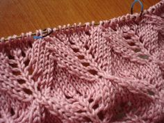 Scarfs, Blanket, Knitting, Knitting Videos, Knitting Needles, Stitching, Night, Patterns, Scarves