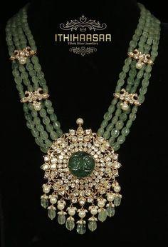 Pearl Necklace Designs, Jewelry Design Earrings, Gold Earrings Designs, Gold Bangles Design, Gold Jewellery Design, Beads Jewellery Designs, Gold Jewelry, Jewelery, Fancy Jewellery