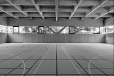 Silber sports hall cpc in chiasso von baserga mozzetti for Innenarchitektur studium bremen