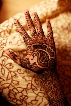 If you are passionate about Indian Mehandi, then this is the perfect article for you. Here are 50 Indian mehndi designs images and their details to help you learn and grow. Henna Hand Designs, Mehandi Designs, Indian Mehndi Designs, Beautiful Henna Designs, Bridal Mehndi Designs, Mehndi Tattoo, Henna Mehndi, Mehendi, Henna Body Art