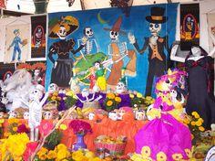 Imagen de https://danieldelmas.files.wordpress.com/2014/11/altar-muertos1.jpg.