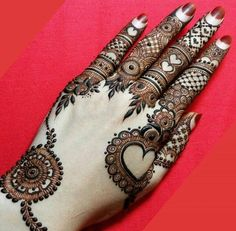 Mehndi designs are of different patterns and styles. Likewise the one which is trending is bracelet mehndi designs. Bracelet designs are designed from wrist to finger tips. Henna Hand Designs, Dulhan Mehndi Designs, Mehndi Designs Finger, Modern Mehndi Designs, Mehndi Designs For Girls, Mehndi Design Pictures, Mehndi Designs For Fingers, Beautiful Mehndi Design, Latest Mehndi Designs