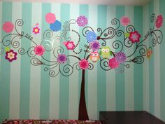 Vinil decorativo con flores de madera decoradas