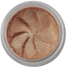 Regard scintillant ! ... avec l'Ombre à Paupières Minérale Gold Digger, teinte or aux reflets métalliques - à moduler selon l'intensité souhaitée ou à utiliser en eyeliner. Riches en pigments naturels, les Ombres à Paupières Minérales Lily Lolo offrent des couleurs vibrantes et une tenue irréprochable. Disponible en 28 teintes. 6,50€ #regard #yeux #maquillage #mineral #naturel #or #nude #lilylolo www.officina-paris.fr