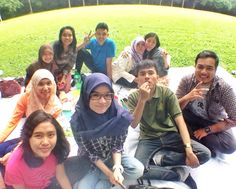 The happiness of picnic time