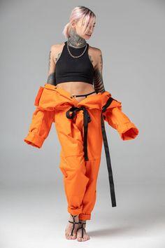 Orange one piece pantsuit, matching couple look, futuristic mechanic / pilot costume, men coverall jumpsuit, women overall Cyberpunk Mode, Cyberpunk Fashion, Urban Street Style, Street Styles, Fashion Poses, Fashion Outfits, Rock Outfits, Mens Fashion, Emo Outfits