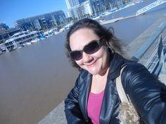 Esta soy yo en un paseo por Puerto Madero - año de 2013.
