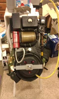 RGB style pack and thrower Ghostbusters Proton Pack, Ghostbusters Party, Gost Busters, Packing, Paranormal, Bobs, Building, Nerd, Craft Ideas