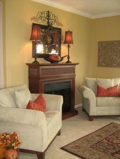 Ben Moore Dunmore Cream/HC-29 TV Room, Hallway, Living Room