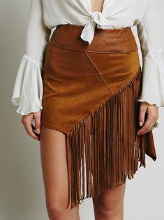 Cute western skirts to wear with cowboy boots - Think Pink Boho Fashion, Autumn Fashion, Fashion Outfits, Womens Fashion, Fashion News, Vegan Fashion, Ethical Fashion, Free People Clothing, Fringe Skirt