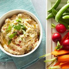 Toss this five-ingredient Garlicky White Bean Dip together in just fifteen minutes! More recipes from the magazine: http://www.bhg.com/recipes/from-better-homes-and-gardens/march-2013-recipes/?socsrc=bhgpin030313garlicdip=10