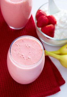 This strawberry banana yogurt smoothie recipe is perfect for breakfast. High in protein and low in fat, it's a power drink that tastes like a dessert.
